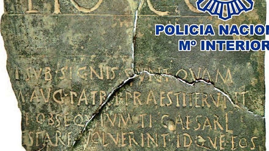 Recuperan un documento jurídico en bronce con 2.000 años de antigüedad en Madrid
