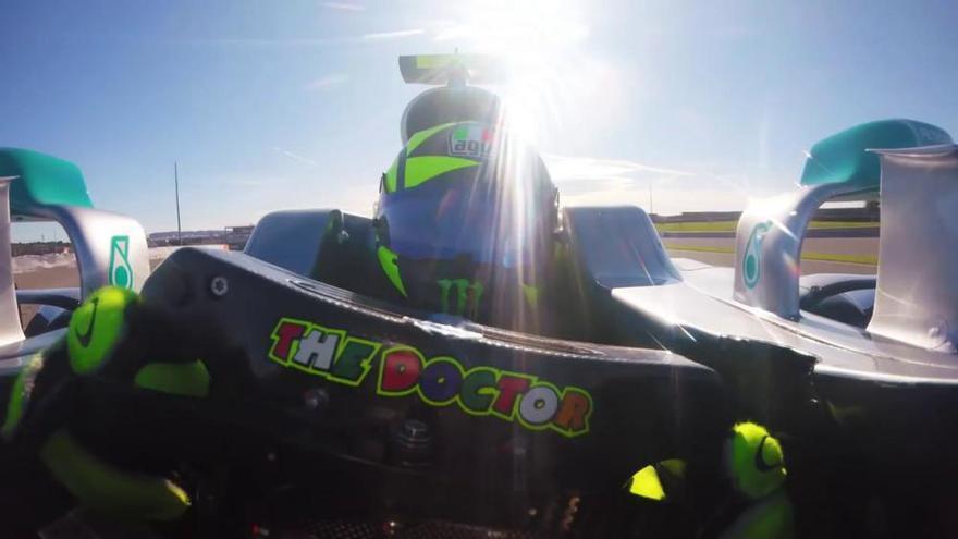 Valentino Rossi pilota un F1