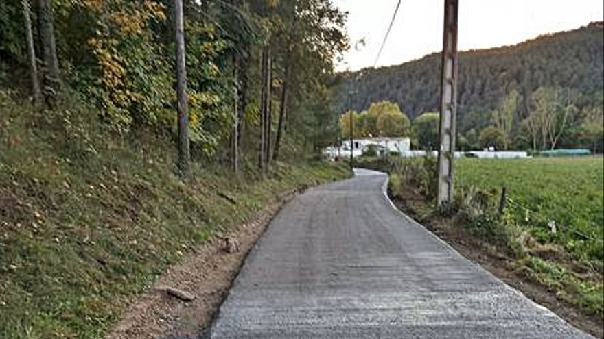 Finalitza la pavimentació de tot el camí rural que ressegueix la riera de Merlès