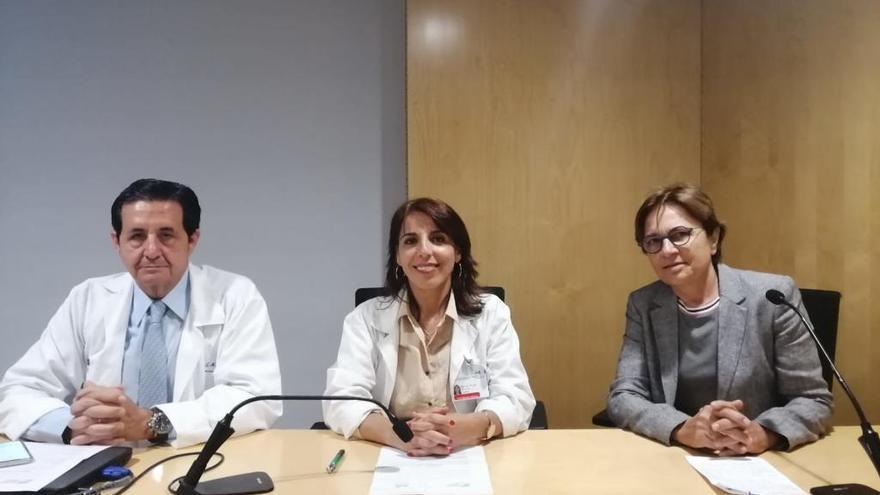 Pacientes y familiares participan en la jornada de párkinson del Clínico