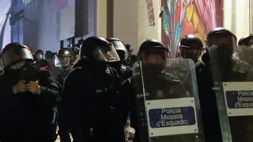 Al menos un detenido en la manifestación antidesahucios en Barcelona