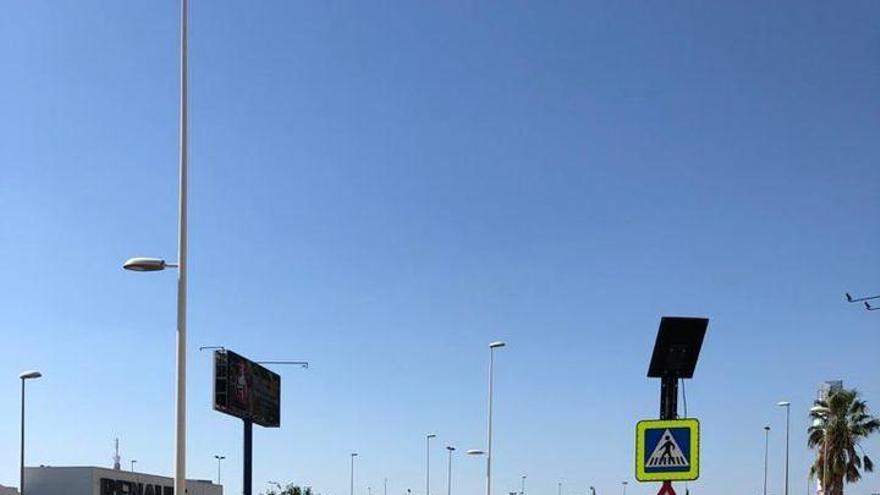 Nuevo paso de cebra en la Avenida de las Jacarandas de Burjassot