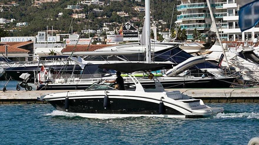 El sector del chárter náutico de Ibiza pide reducir los costes portuarios