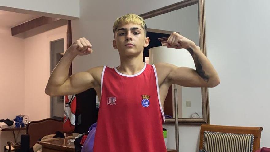 El boxeador cordobés Rafa Lozano Jr. conquista el título continental