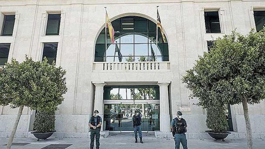 La Guardia Civil salpica a Armengol en el caso Puertos