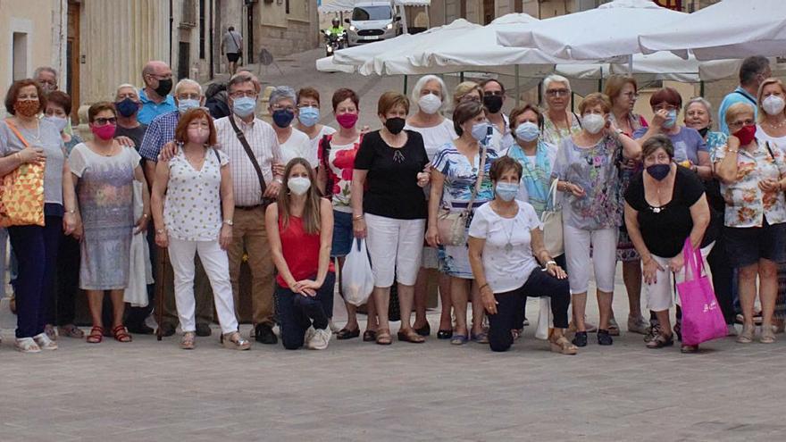 Oliva  La «Gent Gran» recupera poc a poc la normalitat amb rutes i excursions gastronòmiques