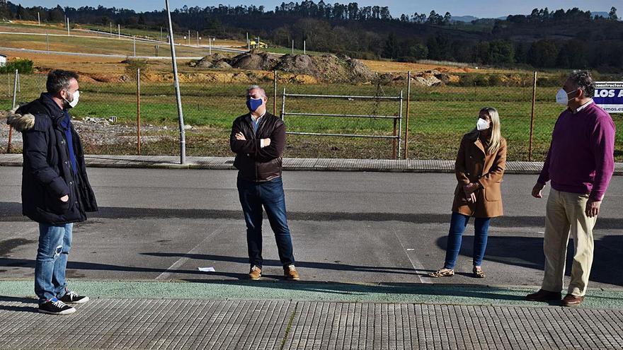 Siero pavimenta un aparcamiento en La Fresneda por petición vecinal