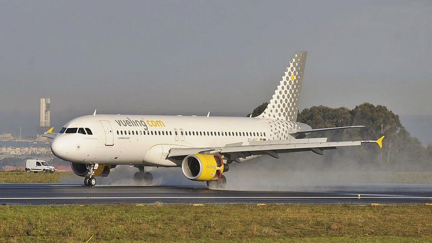 Vueling operará en Santiago el vuelo a Bilbao que había anunciado para el verano en Alvedro