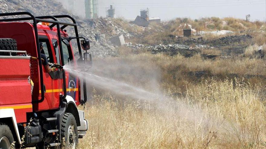 Los bomberos intervienen en 326 incendios forestales este verano