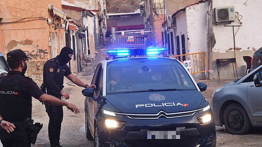 Prisión para cuatro detenidos y libertad para otros nueve en la operación antidroga en Elda