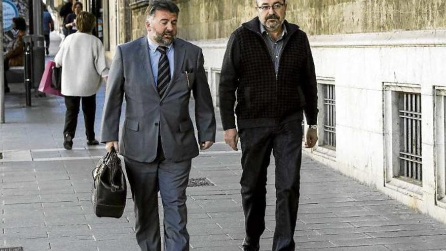 El juez archiva el caso Minerval para Pablo Escribá