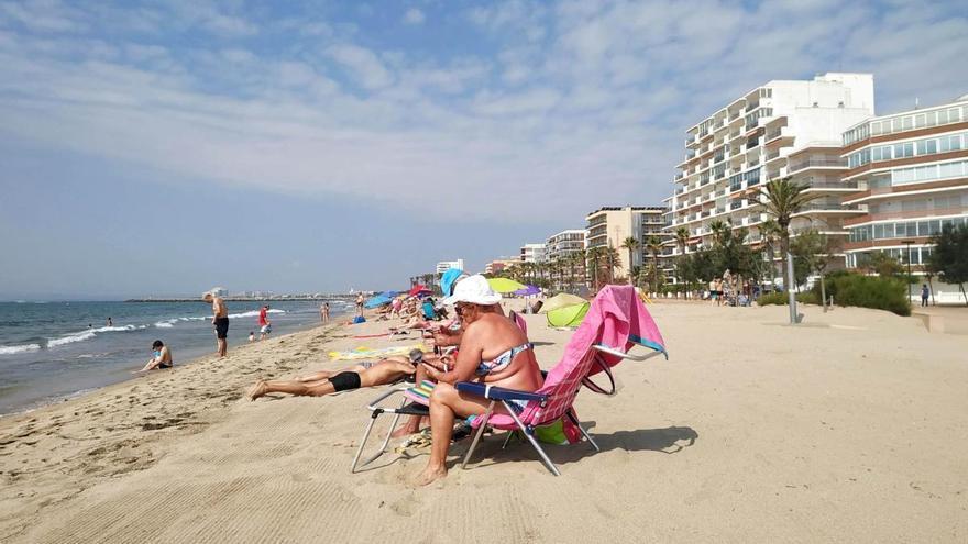 Roses supervisa l'ocupació de les seves platges vigilades en temps real