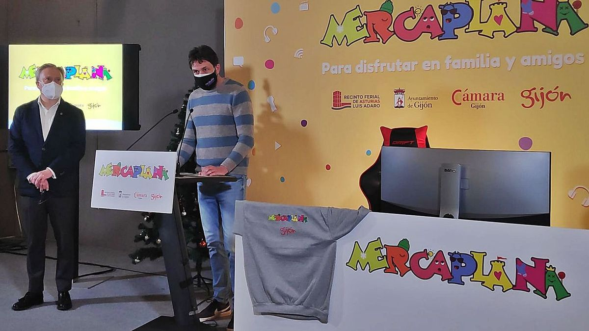 Álvaro Alonso, a la izquierda, y Alberto Ferrao, ayer, en el recinto ferial, durante la presentación de Mercaplana.