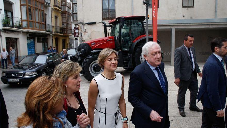 La ministra Isabel Tejerina confía en mantener la financiación de España en la próxima PAC