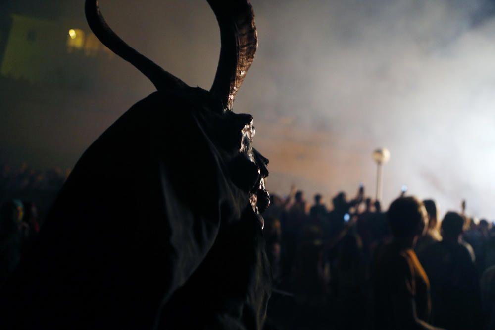 Johannisnacht: So tanzten die Teufel vor der Kathedrale