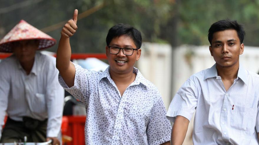 Birmania libera a dos reporteros que revelaron la matanza de rohinyás