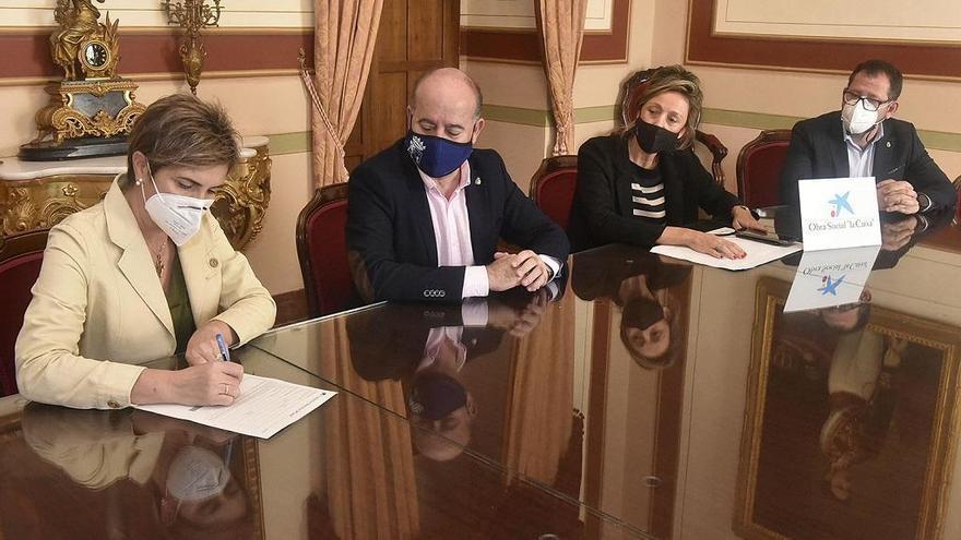 La Obra Social de La Caixa dona 13.000 euros para el comedor social de Antequera