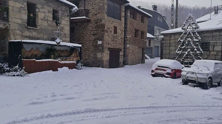 Porto soporta seis días continuados sin televisión con el pueblo cubierto de nieve
