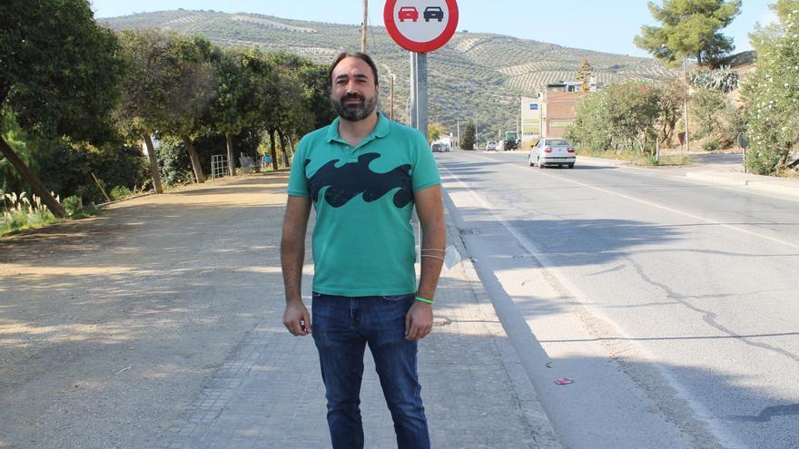 Izquierda Unida pide que se instalen semáforos de reducción de velocidad a la entrada de Baena