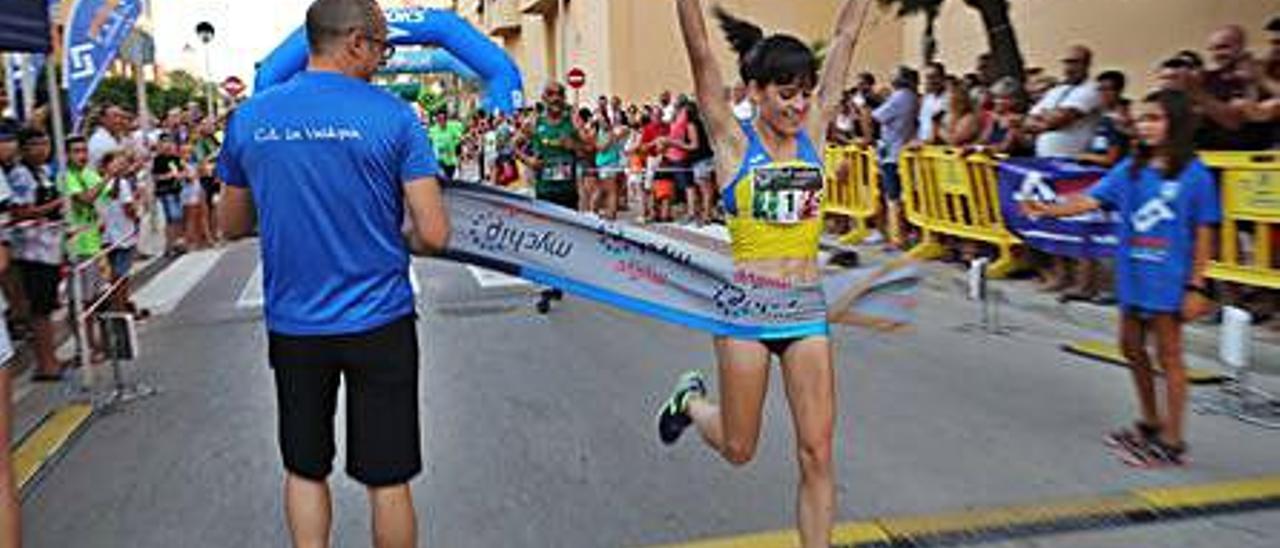 La Volta a Peu Platja de Tavernes vuelve a disputarse este año con 800 atletas