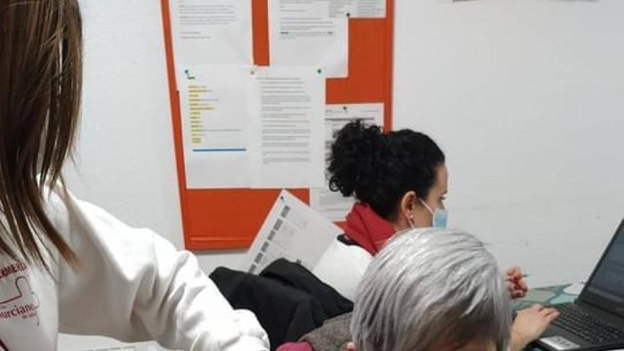 Vacunados los residentes en la vivienda de Intedis en Mula