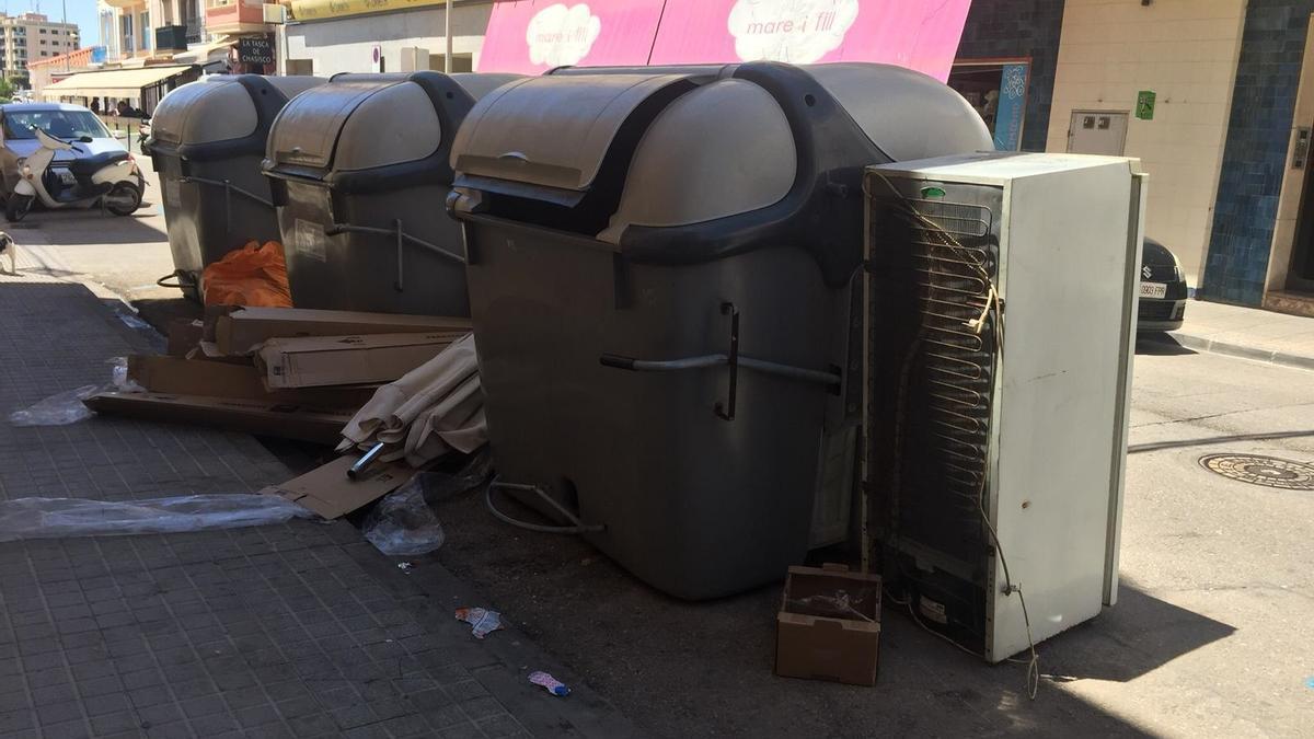 Llamamiento al civismo en Vinaròs ante el repunte de vertidos ilegales en el municipio