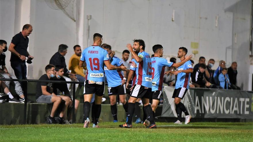 Las imágenes del Juventud de Torremolinos-Córdoba CF