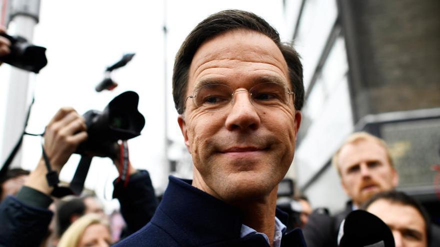Rutte, el primer ministro que vive con su madre