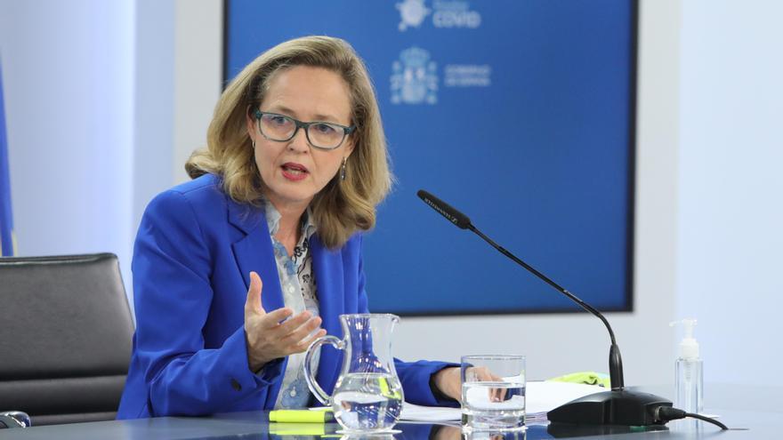 """Calviño defiende un control adecuado de los fondos europeos sin hacer """"imposibles las inversiones"""""""