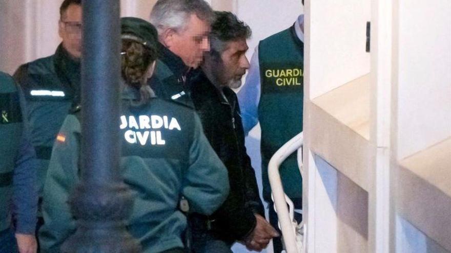 La novia de Bernardo Montoya, trasladada de módulo tras intentar contactar con él
