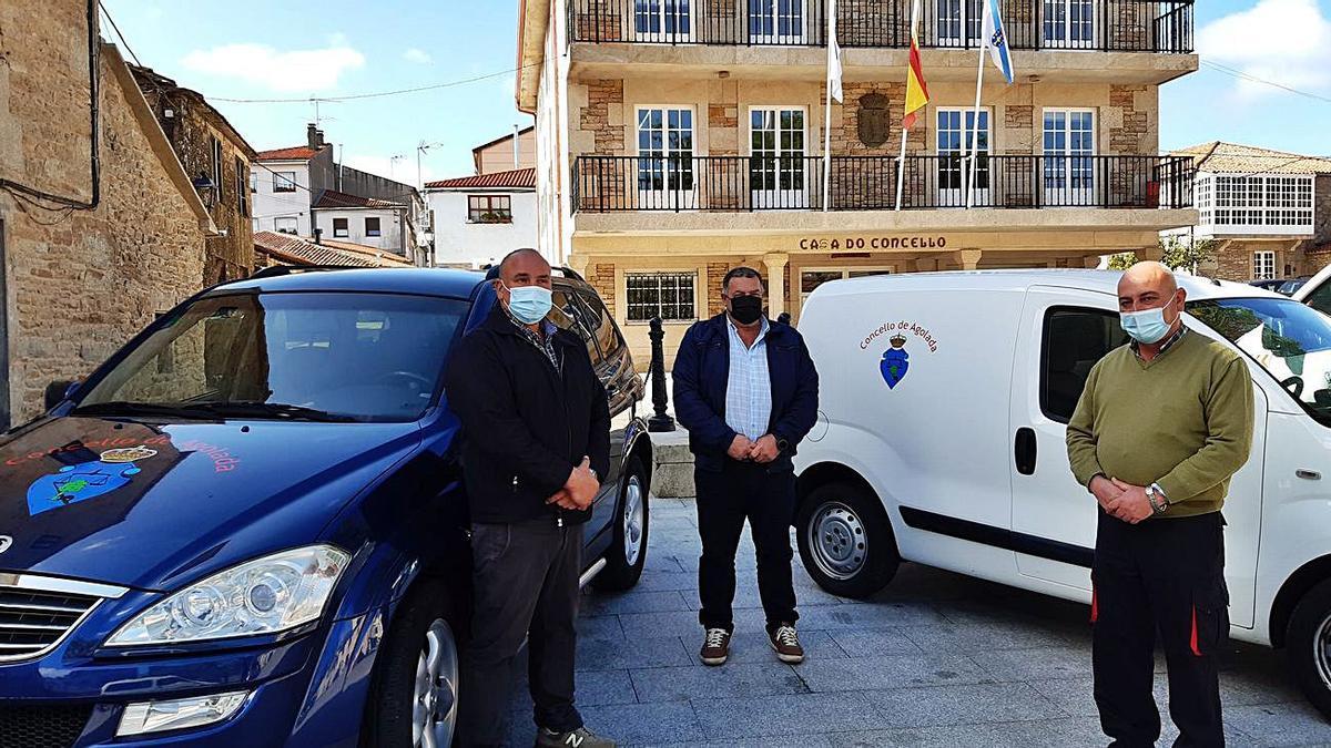 Las dos furgonetas serán utilizadas en los departamentos de Obras y Servizos Sociais.