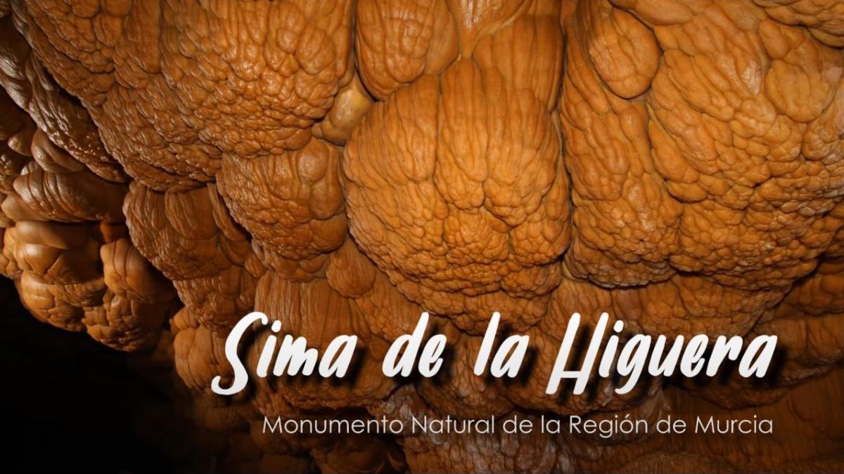 Más de 6.000 personas han visto ya el documental de la Sima de la Higuera