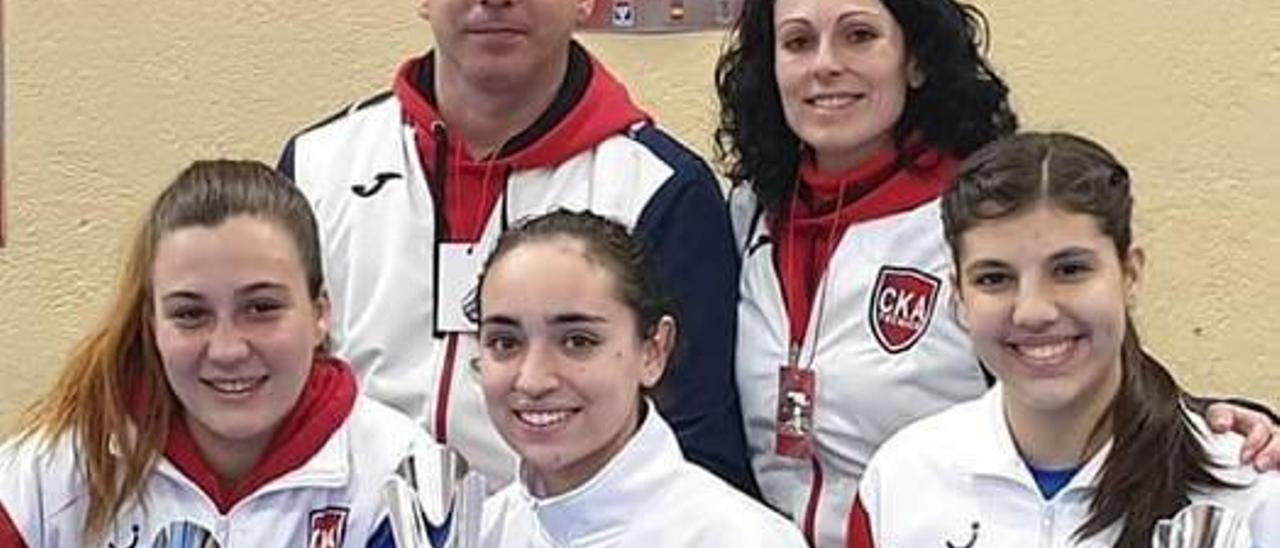 Las karatecas de Alzira logran tres medallas en el Open Mundial de Madrid