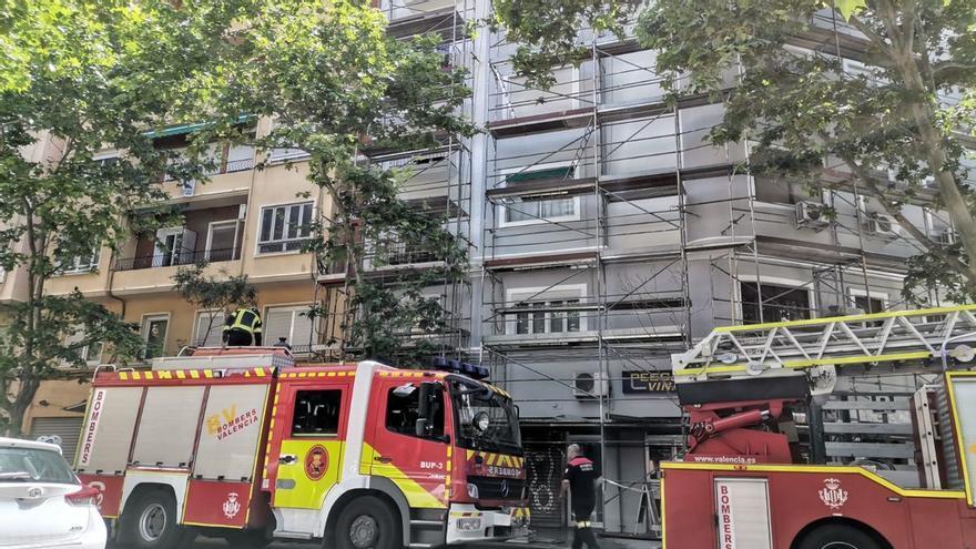 Muere un trabajador de 43 años tras caer de un andamio en València