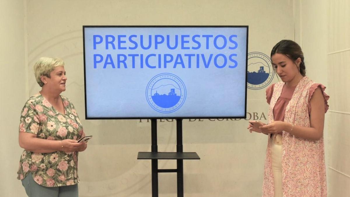 Las ediles de Transparencia y de Participación Ciudadana, Janet Aguilera y Mercedes Sillero.