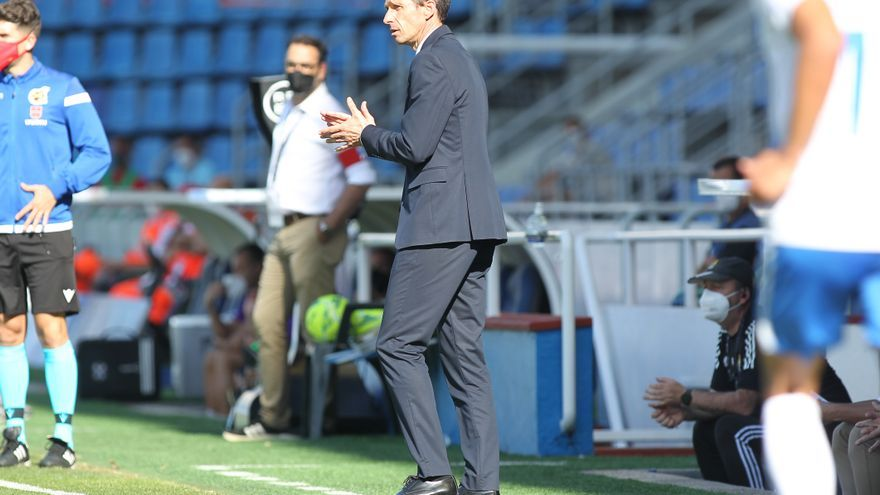 """Ziganda, entrenador del Real Oviedo: """"Si el club quiere, me quedo"""""""