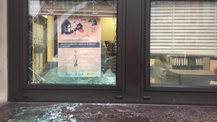 Detienen a un hombre por reventar más de 30 ventanas en la Gota de Leche