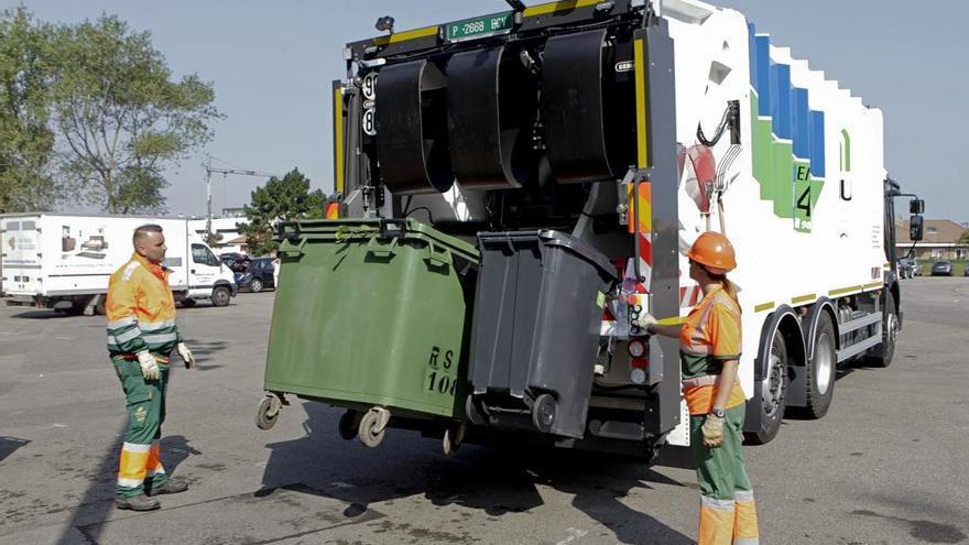El consejo de Emulsa congela la tarifa de basuras, que Foro quería elevar un 10%