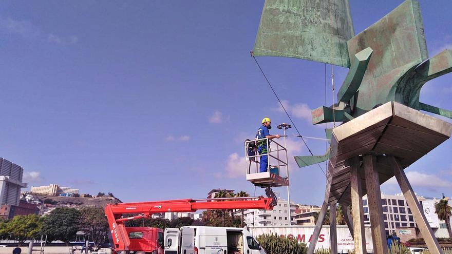 Limpieza de esculturas en altura