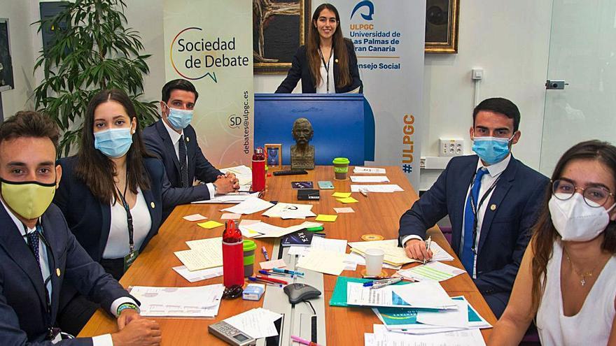 Cinco estudiantes de la ULPGC participan en la final de la Liga Española de Debate