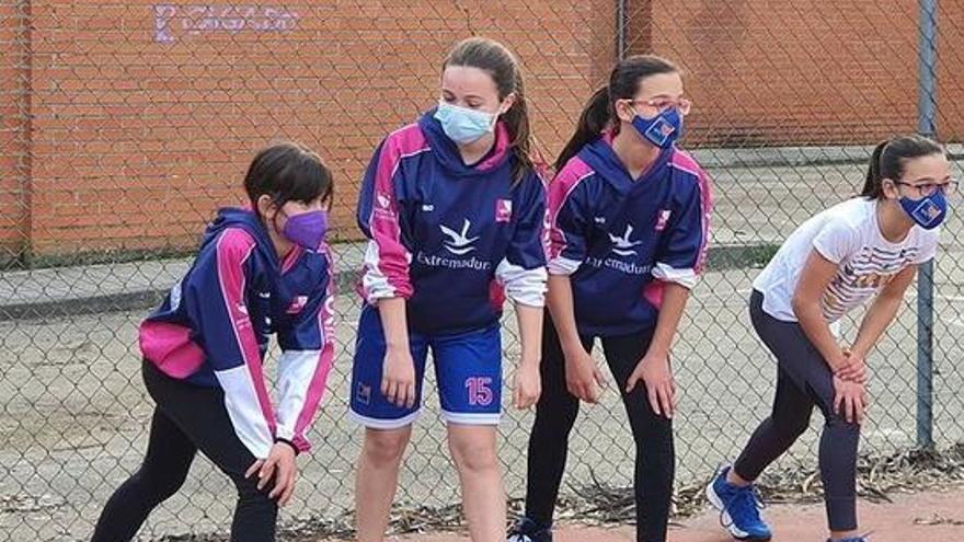 El Miralvalle organiza entrenamientos gratuitos para niñas