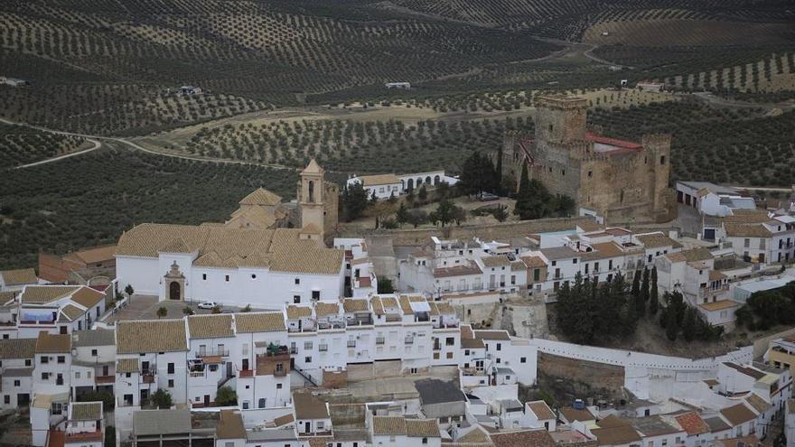 """IU acusa al alcalde de Espejo de """"engañar"""" a los vecinos en el proceso de contratación de El Tejar"""