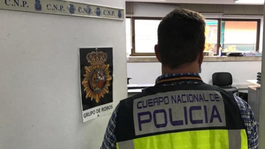 Detenido un hombre por robar en dos comercios en Palma