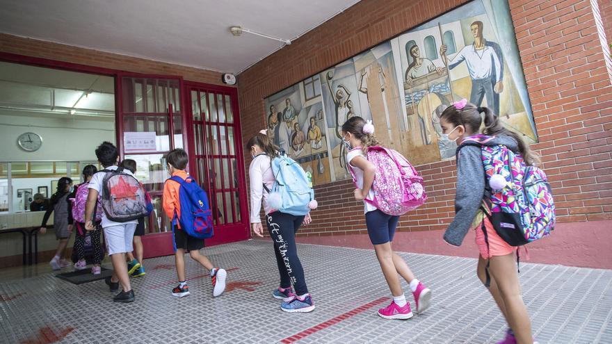 Conselleria baraja que la mascarilla no sea obligatoria en los patios de los colegios de Castellón
