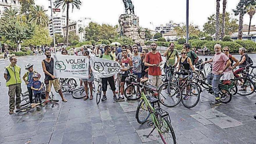 Una bicicletada reclama un gran bosque urbano en la Falca Verda