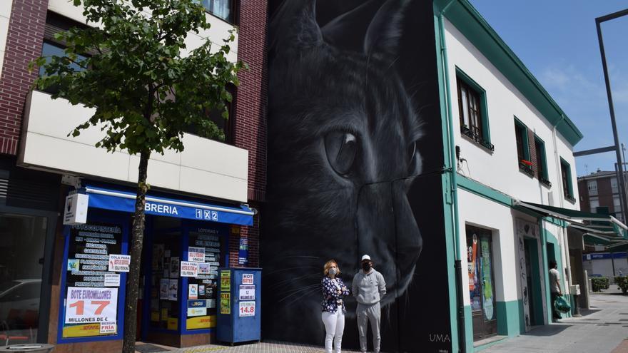 """El gato negro del grafiti de Lugones ya tiene nombre: se llamará """"Uma"""", propuesta que se impuso a """"Yeti"""" o """"Lug"""""""