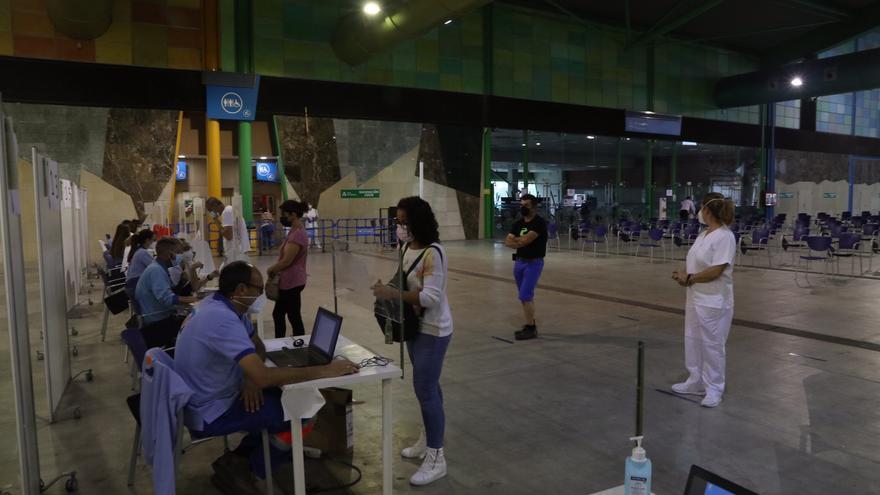 Málaga suma 265 nuevos contagios en una jornada con un leve aumento de hospitalizados