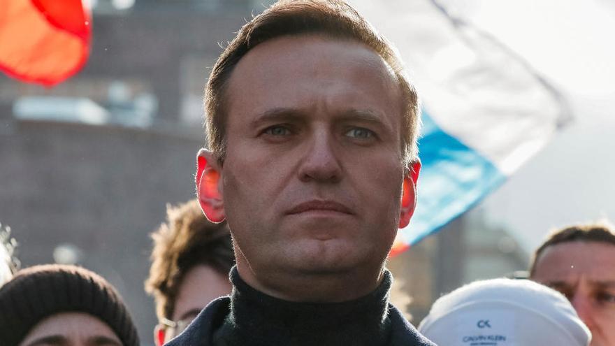 La justícia russa condemna l'opositor Aleksei Navalni a tres anys i mig de presó