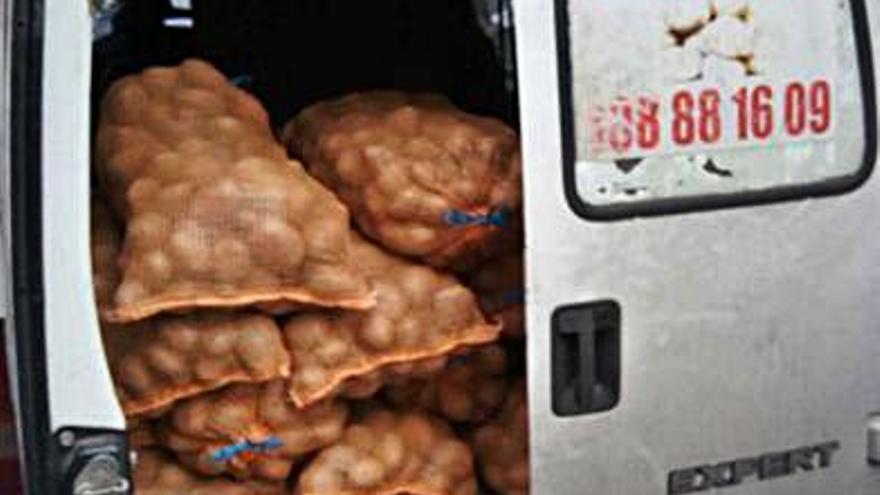 """""""Cazados"""" con un furgón inhabilitado para circular y otro con 600 kilos de exceso de peso"""