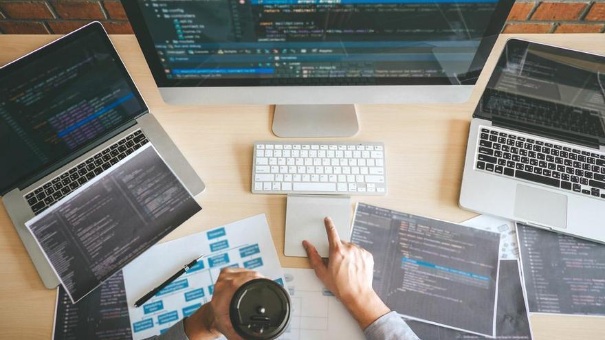 Axarnet: ¿Cómo elegir un alojamiento web para nuestra empresa?